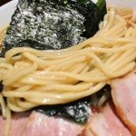 ラーメン大将 - 麺は太麺ストレート