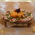 トゥ・ラ・ジョア - 真蛸と鮑のオーブン焼き 馬糞雲丹のせ 生姜が添えてあります (2014/05)