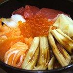 やまけい - 上海鮮丼大盛り!