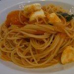 ハーブス - トマトとモッツァレラのパスタ