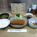 とんかつ さっぽろ 井泉 - 特ロース定食(1,750円)