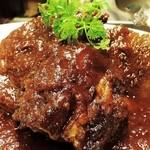 Taverna Mezzanotte - 牛頬肉の赤ワイン煮込み