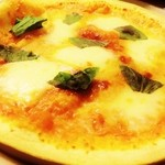 Pizza おつまみタイプのローマ風ピッツァ