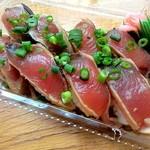 魚孝 - カツオ(350円)です。コスパ高いです!