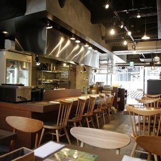 吉祥寺駅から徒歩一分!大人のための肉食堂でガッツリ肉補給!