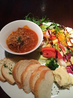 AMUSER - 牛肉の赤ワインとトマトソース煮込み