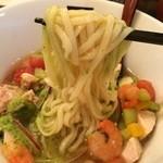 麺処hachi - この麺、締めると凄い腰なんです