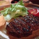 黒おび - 料理写真:140604 牛モモステーキ