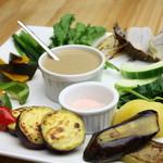 有機菜園ダイニング・タベルナ - 朝採り自家農園野菜のバーニャカウダ