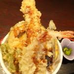 27922203 - ランチどっきり天丼 1050円 天丼のアップ 【 2014年6月 】