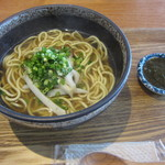 沖縄ごはん くくる食堂 - 沖縄ソーキそば(690円)