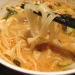 ヒジョビンタン  - トムヤム ラーメン:麺はセンレックでした