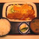 キッチンすもり - 「チキンピカタと魚フライ定食」680円+「ライス大盛」100円