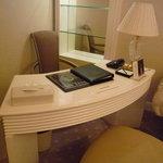 ホテル ラ・スイート神戸ハーバーランド - ☆デスクがありましたぁ☆