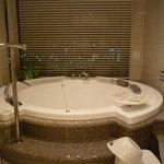 ホテル ラ・スイート神戸ハーバーランド - ☆ジャグジーお家に欲しいですね\(~o~)/☆