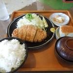 さぼてん  - 料理写真:とんかつ定食 H26.6