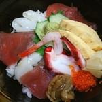 食べ処 庄家 - 朝市丼♡このボリュームで500円!安っ!