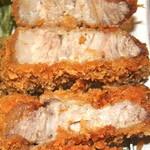 rengaya - カツ断面 そのまま食べてもジューシーで甘くて美味しい。