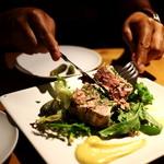 タケル クインディチ - お肉のパテ