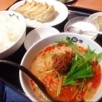 陳麻家 - お昼は、餃子定食半坦々麺付き!(^ー^)ノご飯お代わり自由なのが嬉しい、満腹セット!(^○^)