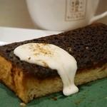 角パン専門店Cafe&マルシエルブ - 生クリームに合わせるとまろやかな味わいに