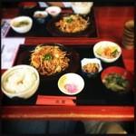 居酒屋北菜 - ランチの豚肉と野菜炒め