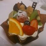 ナカノ - 料理写真:フルーツパフェ