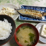 一龍食堂 - 日替わり定食(サンマ開き) 小ライス