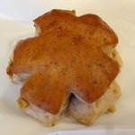 サクラベーカリー - くるみパン