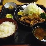 とんかつ梅乃家 - 生姜焼き定食