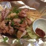 鉄板屋 いっちゃん - 地鶏の乱れ焼き