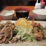 かみ村 - 豚肉しょうが焼と鶏の唐揚げ2014/06