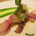 アベー - ホタルイカと白バイ貝のカクテル、菜の花のクーリ
