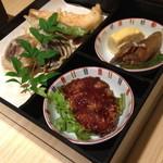 華屋 - 二段御膳 お刺身と天ぷら(1,800円)2014年6月