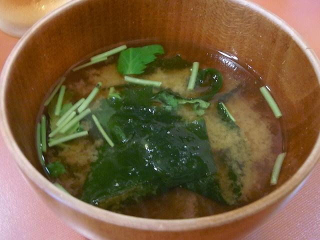 Zeal - お味噌汁はワカメと三つ葉入り☆♪