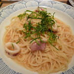 鎌倉パスタ   - ヤリイカの明太子バターソース 大葉風味(1291円)