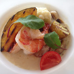アンシエーヌ - 10日ごとに変わる期間限定お魚メニュー。美味しいソースに、プリプリ海老が3尾も入ってた!パンが進む〜(^^)