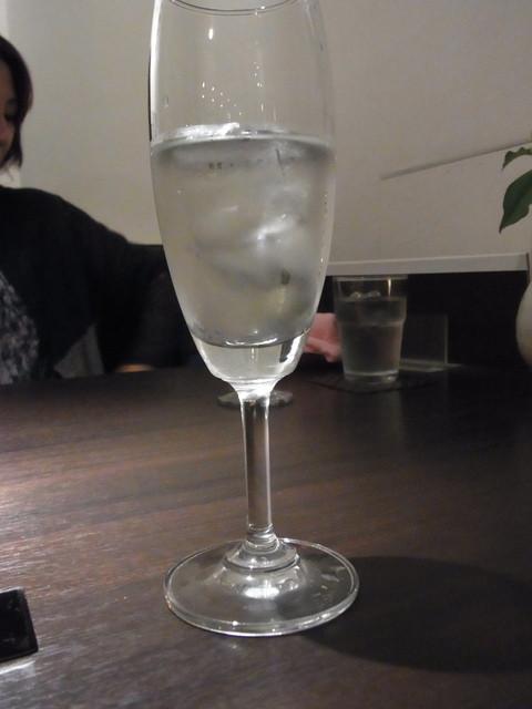 でっかしたっけ - 2014.6)お任せ日本酒コース(4杯、2400円)の最初はアイスブレーカー