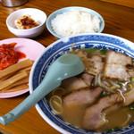 ラーメンセンター本陣 - チャーシュー麺とオコメ:550円_2014年6月