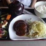 27972076 - ハンバーグ膳(820円)