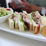 グラン カフェ - サンドイッチランチC【1250円】ツナとアボガド