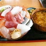 27977591 - メガ海鮮丼(ご飯大盛)¥1500