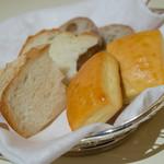 ベッラヴィスタ ラウンジ - 玉葱を使ったパンなど【2014年6月】