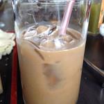 塩竈かき小屋 - サービスのアイスコーヒー