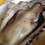 塩竈かき小屋 - どこまでも食べれそうな大粒の新鮮な牡蠣でしたが・・・