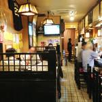 居酒屋久茂地 - 客層は、カジュアル接待の社用族や地元のかりゆしシャツ族で、 観光客っぽい人はあまりいなかったように思います。