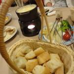 ワイン食堂 ブルマーレ - スイス風フォンデュ