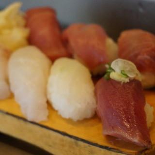 吉光  - 料理写真:1950えん『おまかせ寿司1.5人前』2014.6
