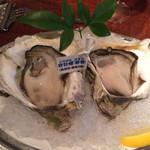 Oyster Bar ジャックポット - 半額の岩牡蠣