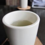 北上珈琲館 - 飲み終わって、しばらくすると昆布茶を出してくれます。                             アラレが1個だけ入ってるのが可愛かったです。